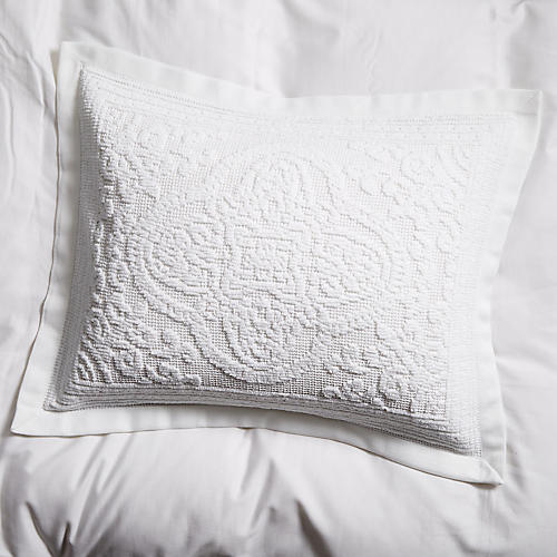 Medallion Sham, White