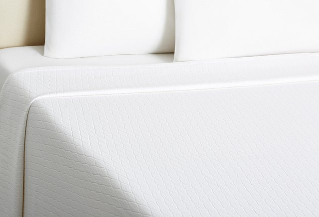 Pyramid Coverlet, White
