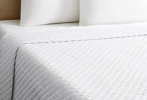 Sateen Diamond Quilt, White