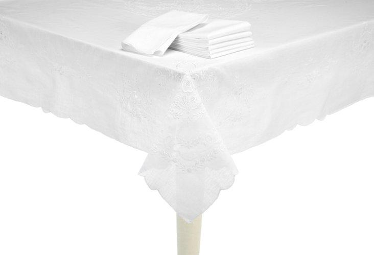 Beliagio Tablecloth & 18 Napkins