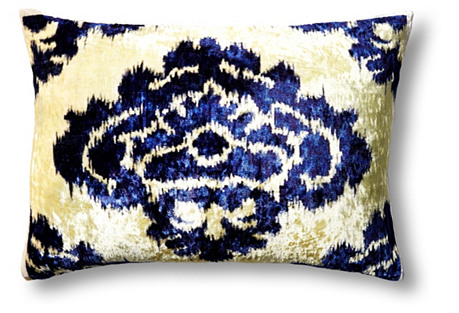 Daisy 14x20 Velvet Pillow, Blue