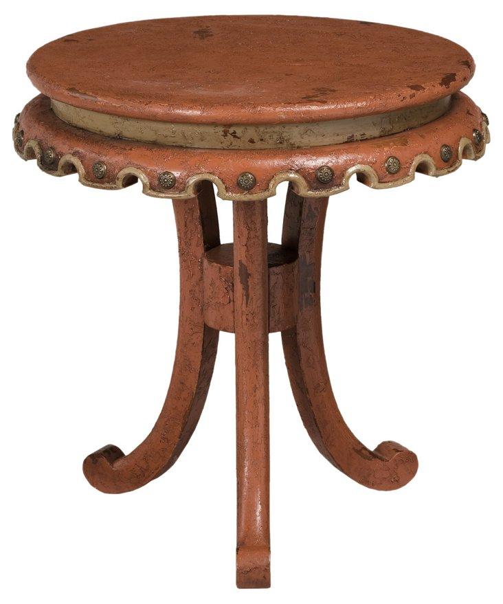 Hugh Scalloped Bib Table