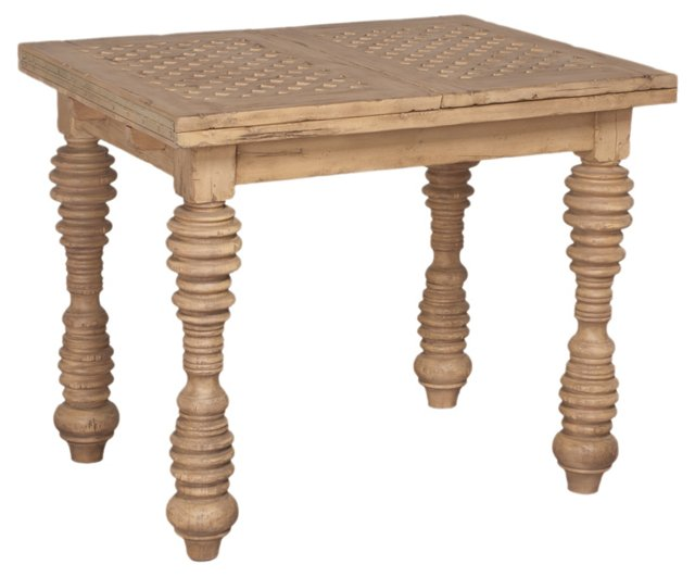 Cottage Guest Table