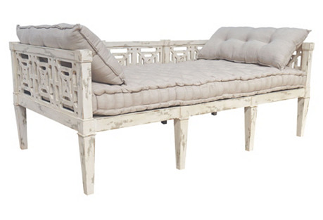 Manor Daybed, Distressed White