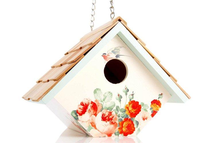 Wren Hanging Birdhouse, Cream