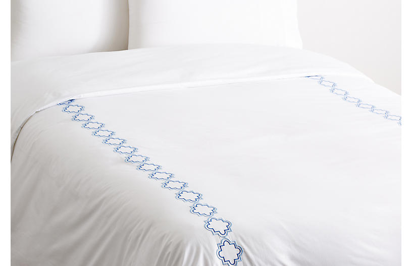 Quatrefoil Outline Duvet, Blue