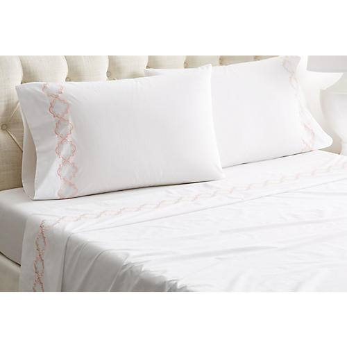 Quatrefoil Sheet Set, White/Pink