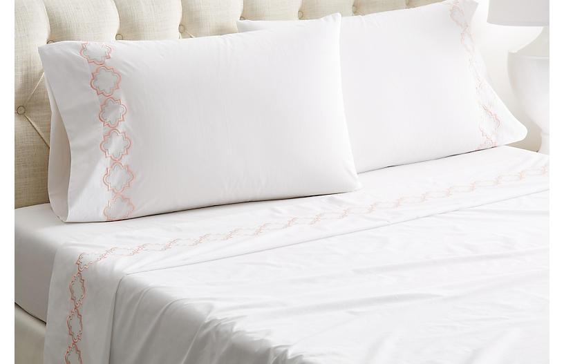 Quatrefoil Sheet Set, White/Pink