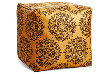 Milan Pouf, Orange