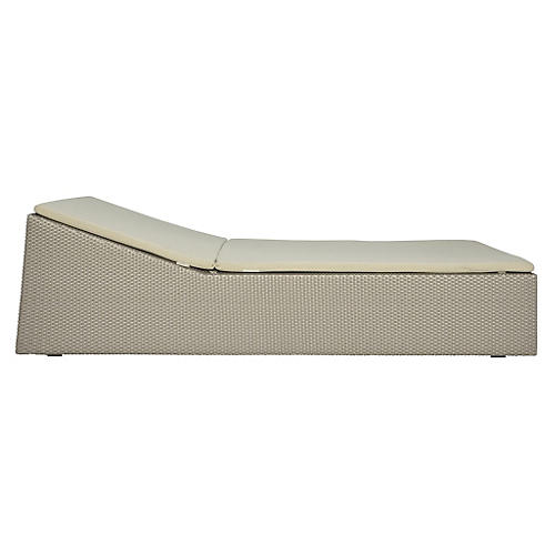 Closed Chaise, Palladium