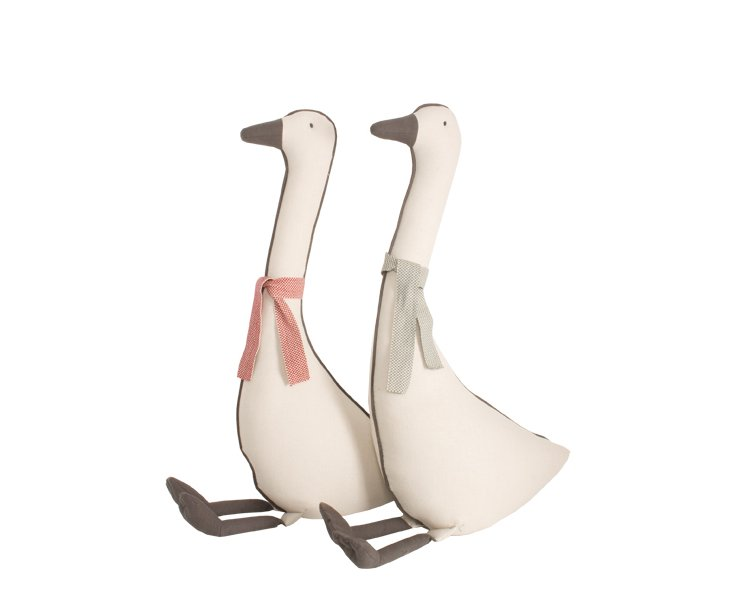 "25"" Goose Pair, Mr. and Mrs. Goosen"