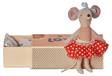 Big Sister Mouse w/ Bed, Red
