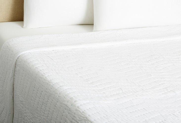 Akasha Handmade Voile Quilt, White/Blue