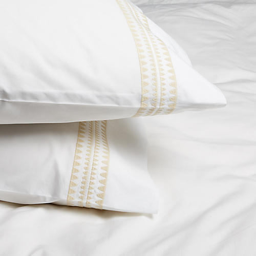 S/2 Seychelles Standard Pillowcases, Champagne
