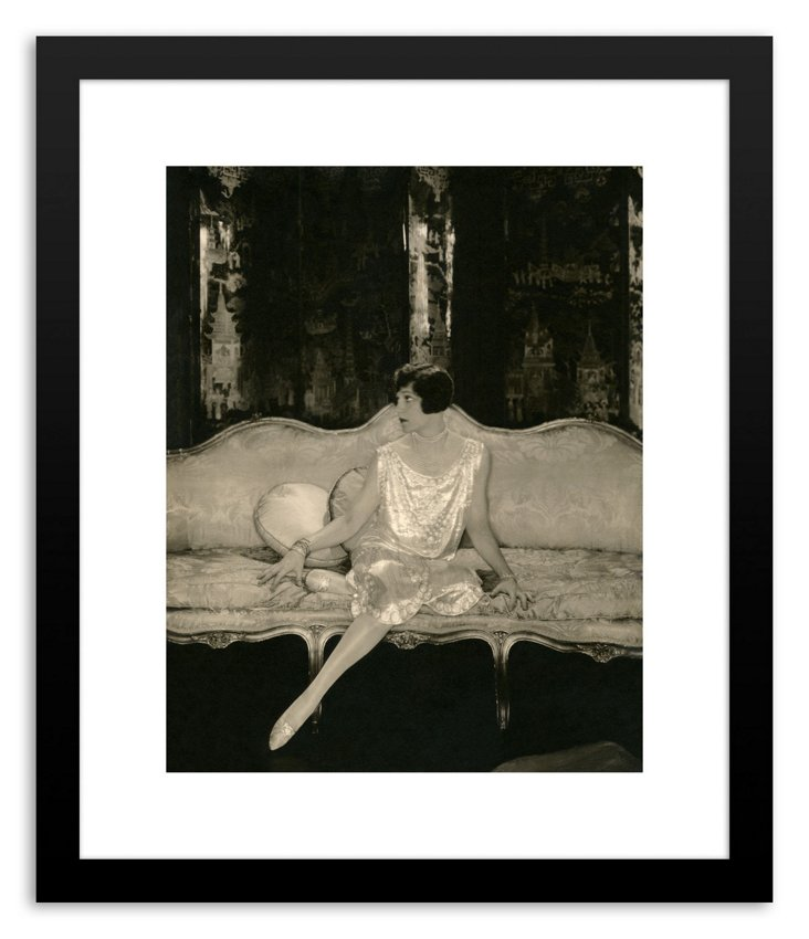 Lady in Wait, Vogue October 15 1926-DNU