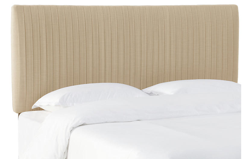 erin pleated bed