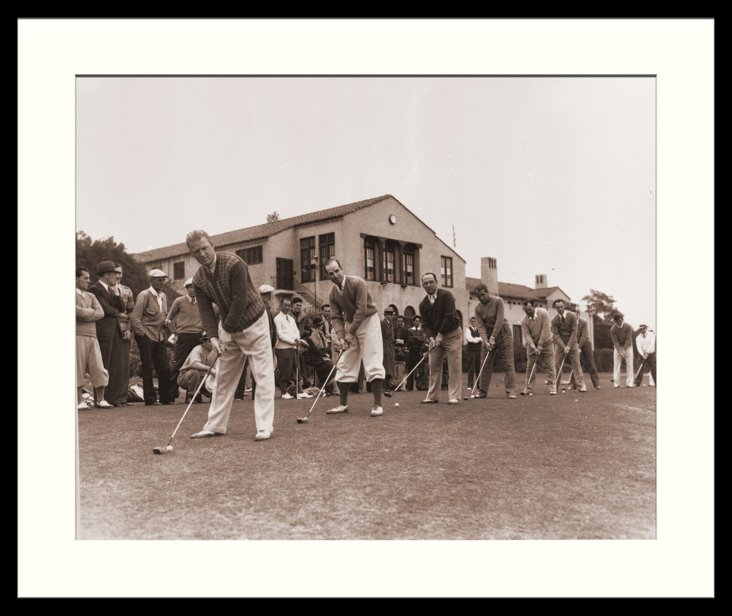 Golfers Teeing Up