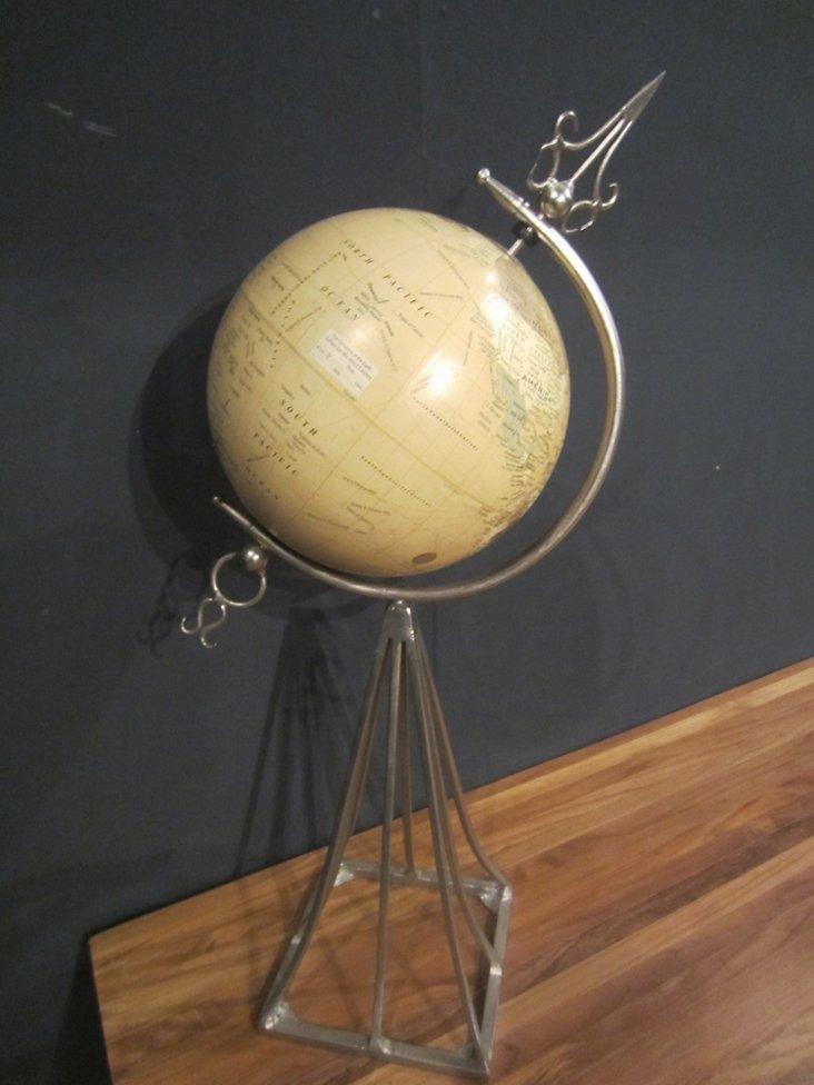 Globe on Metal Pillar Stand