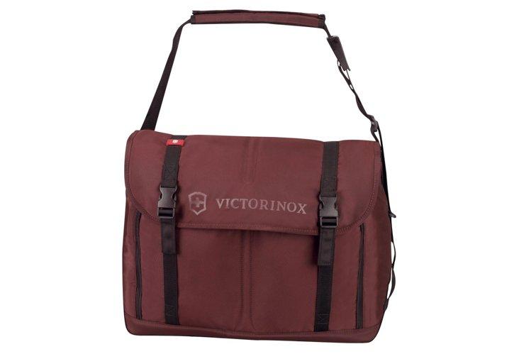 Seefeld Weekender Travel Bag, Maroon