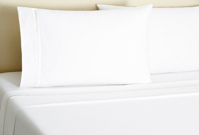Queen Laurel Sheet Set, White