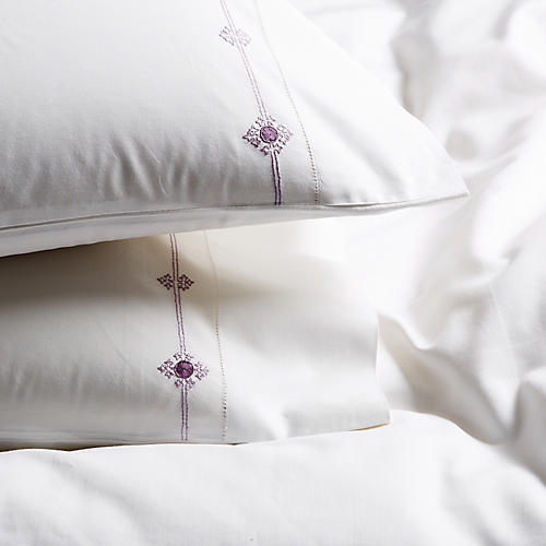 S/2 Vinea Pillowcases, White/Plum
