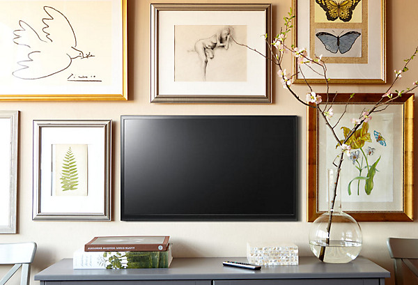 Easy decorating projects how to hang a flat screen tv for T v lounge decoration