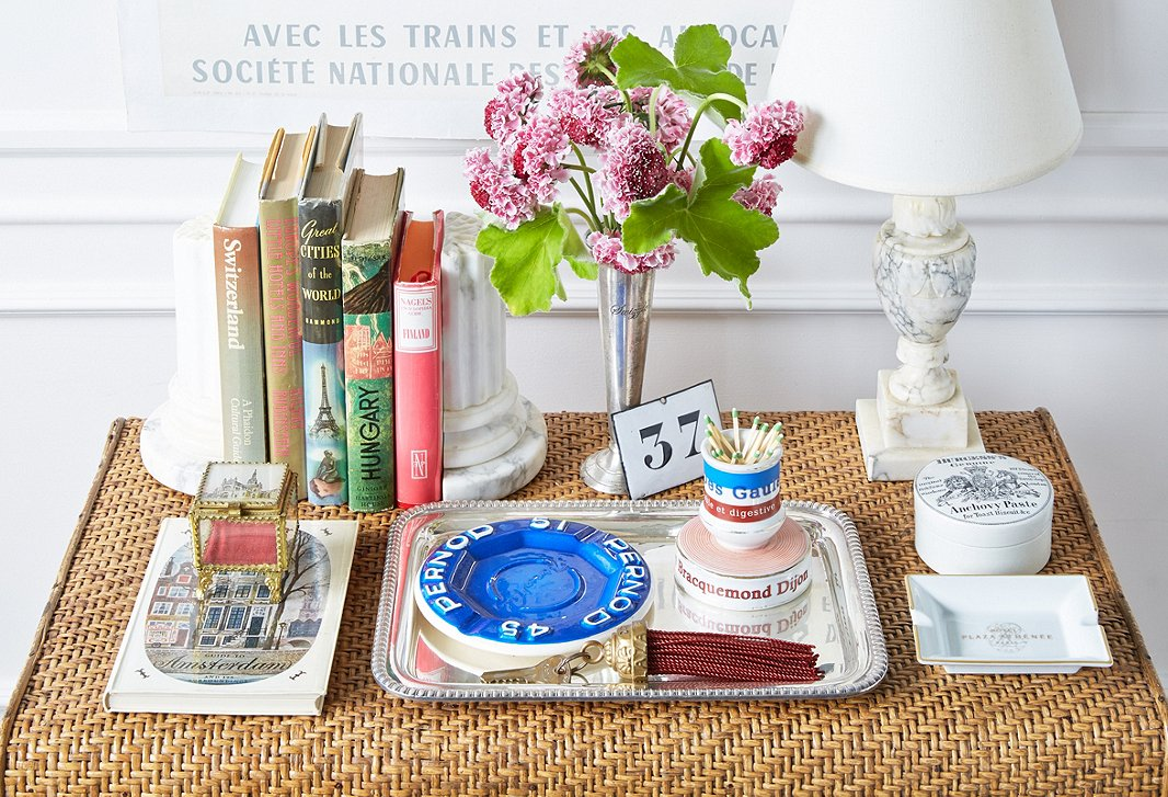Collectors of porcelain match strikers, hotel ashtrays, tasseled keys, and salvaged enamel wall plaques will delight at the array on offer at les puces of Paris.