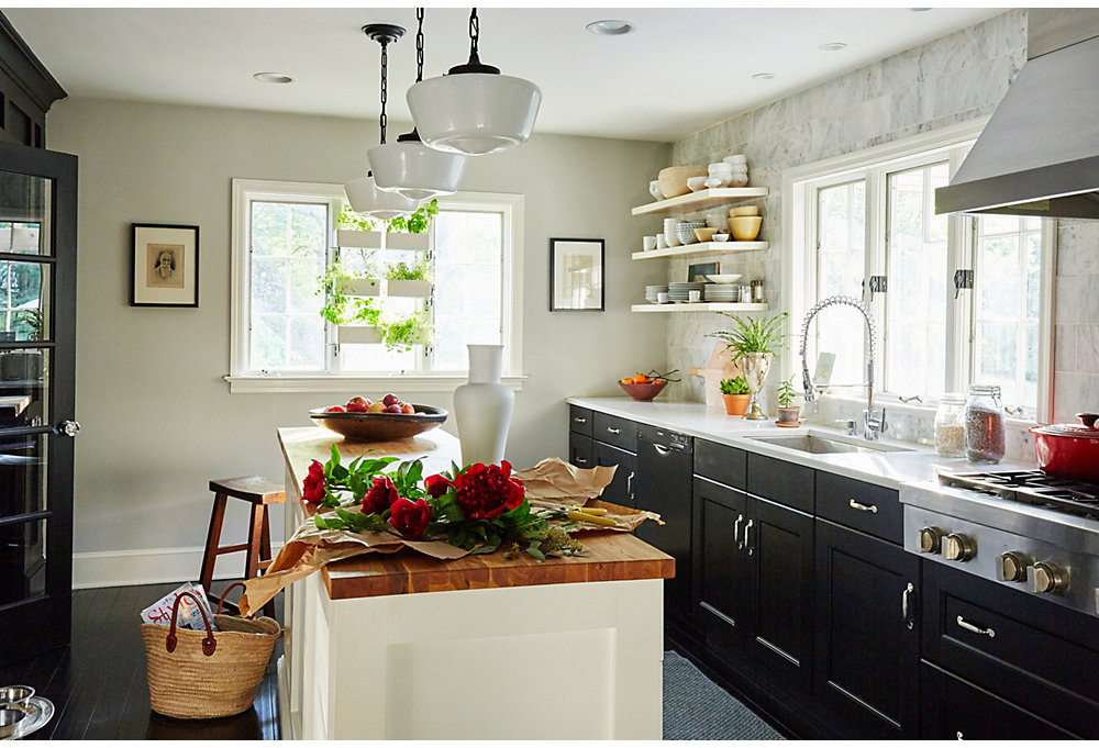 Keep It Simple. The Modern Classic Kitchen