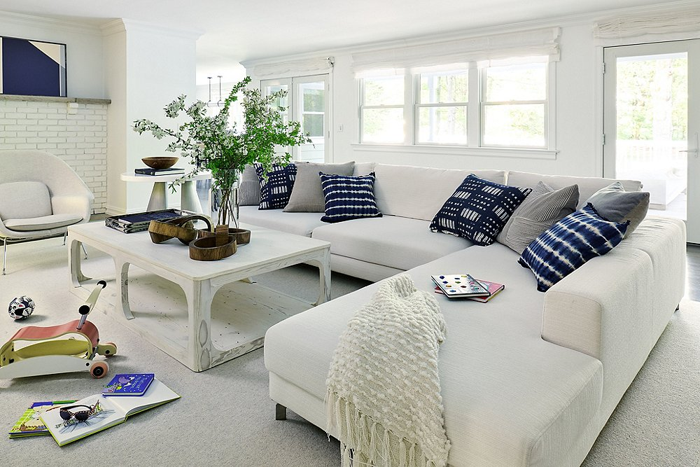Opposites Attract in This Modern Farmhouse