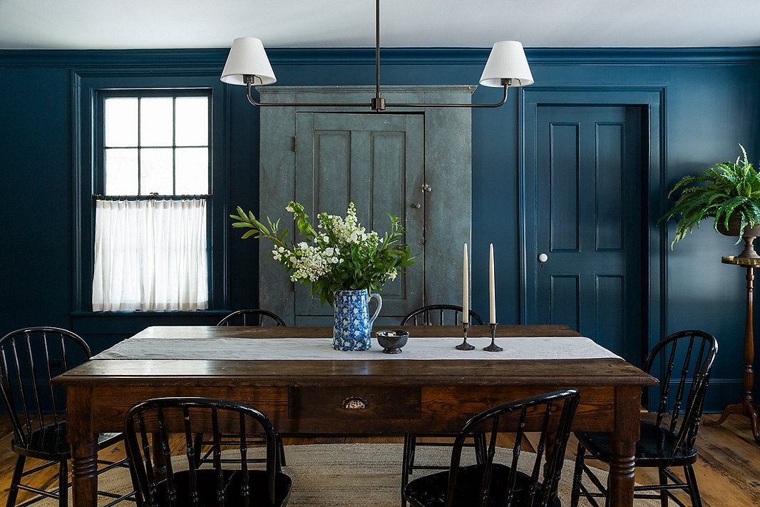 The Richters knocked down walls to make this dining area part of the kitchen.