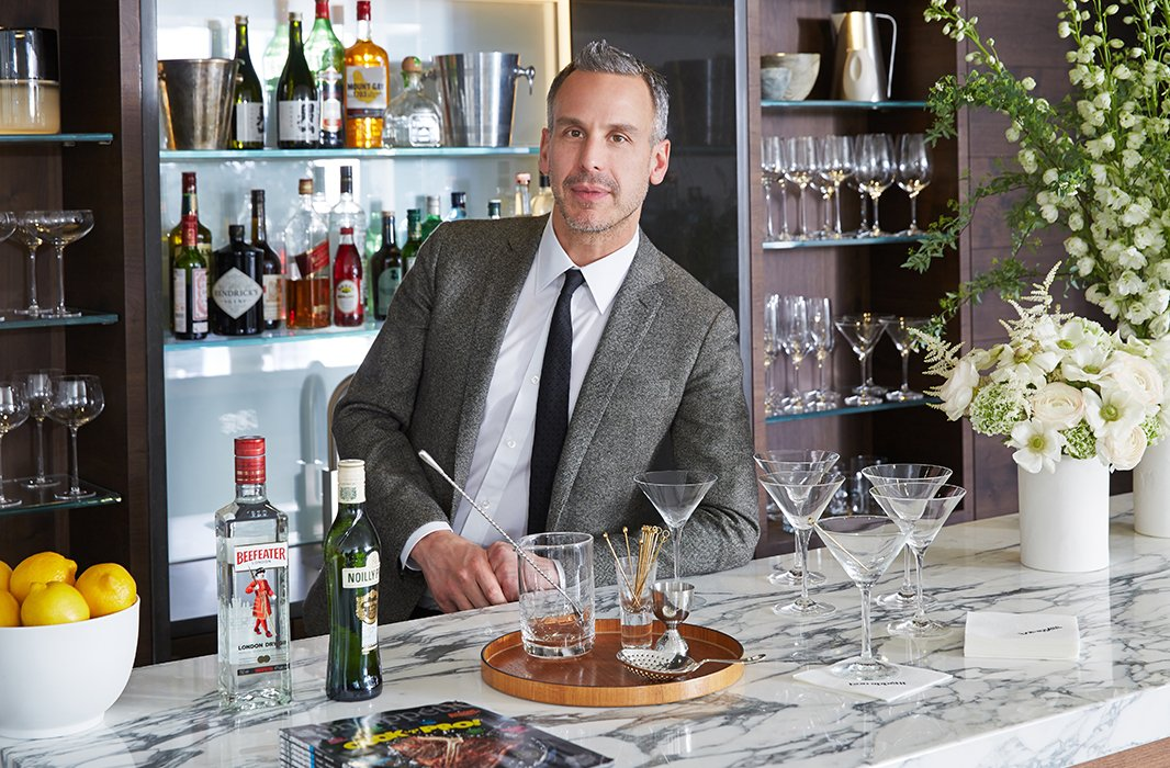 Bon Appétit editor in chief Adam Rapoport (previously style director at GQ) helped select the striking combination of pale marble countertops and dark walnut bar.