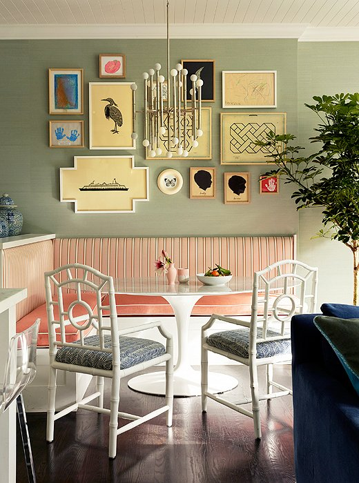Furniture breakfast nook table for small dining room for Dining room nook ideas