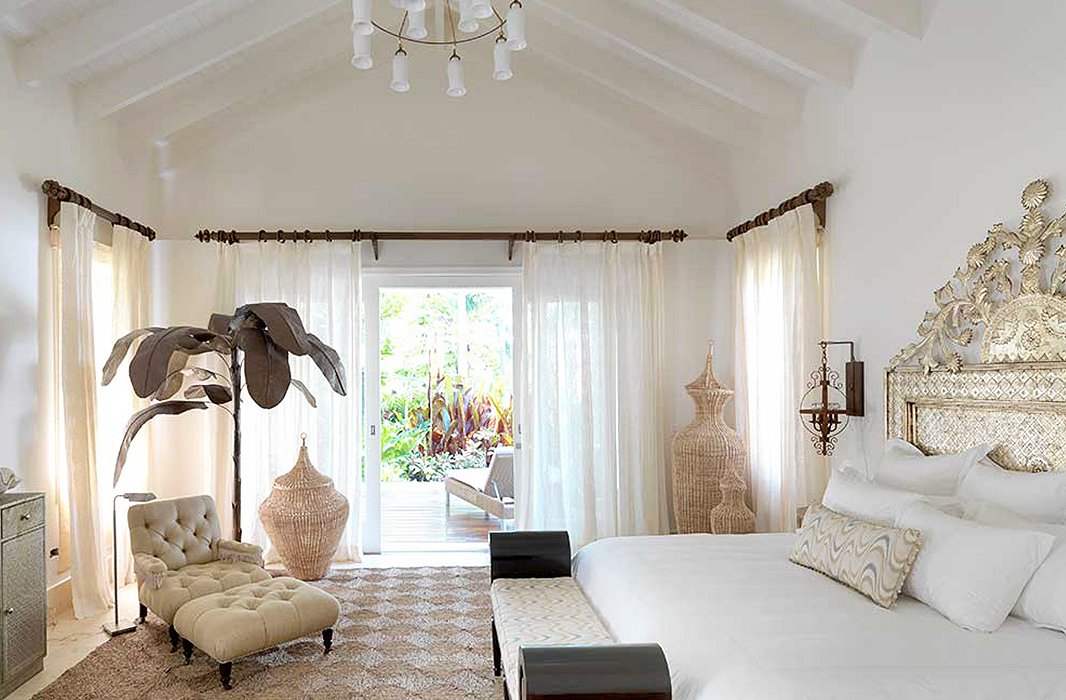 natural textures and chic finishing touches in an airy bedroom by celerie epitomize her relaxed - Celerie Kemble Furniture