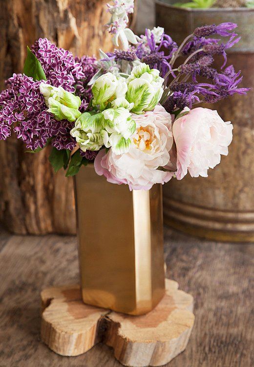 If you're feeling intimidated by elaborate arrangements, Denise has a no-fail approach you'll love: Focus only on flowers, in colors that play well together, and arrange them in groups.