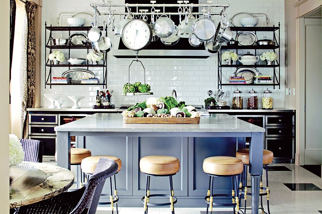 French bistro style kitchens for Parisian style kitchen ideas