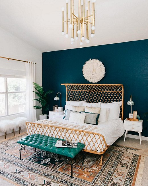 Instagram S Favorite Fall Trend Dramatically Dark Accent Walls