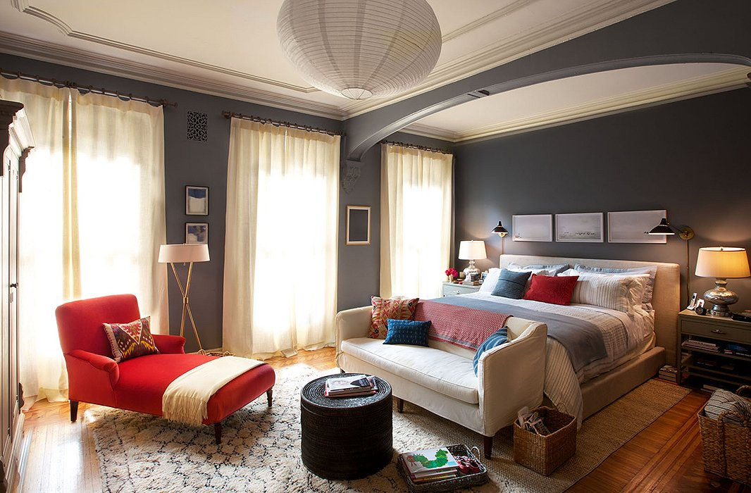 The E That Serves As Bedroom For Character Of Jules Has A Colike Feel