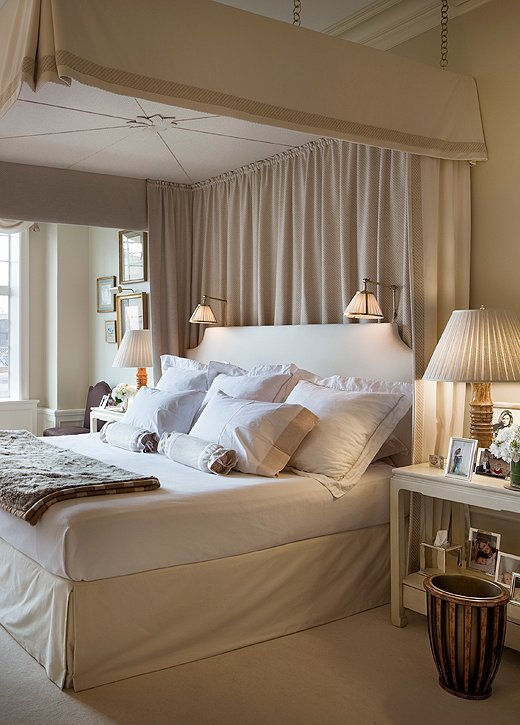 Secrets from decorating insider alexa hampton for Bedroom ideas hamptons