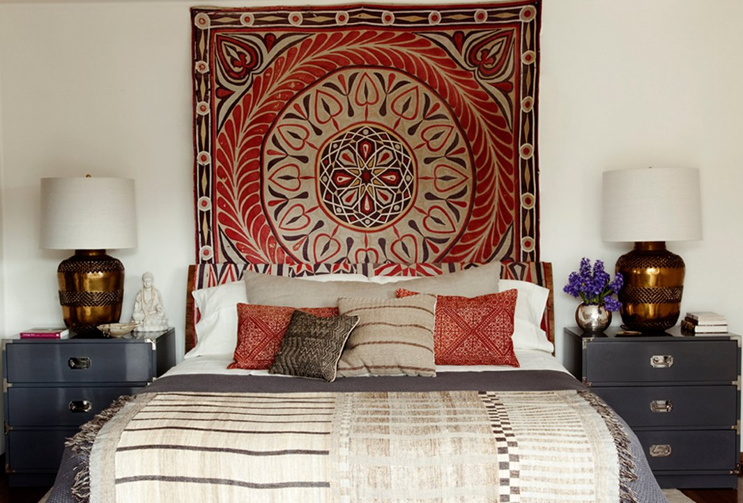 Hang Blanket On Wall 7 inspiring ideas for above the bed