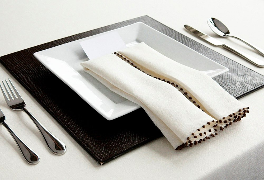 Folding Table Napkins : ... _entertaining_ideas_folding_table_napkins_img03?wid=1000&op_sharpen=1