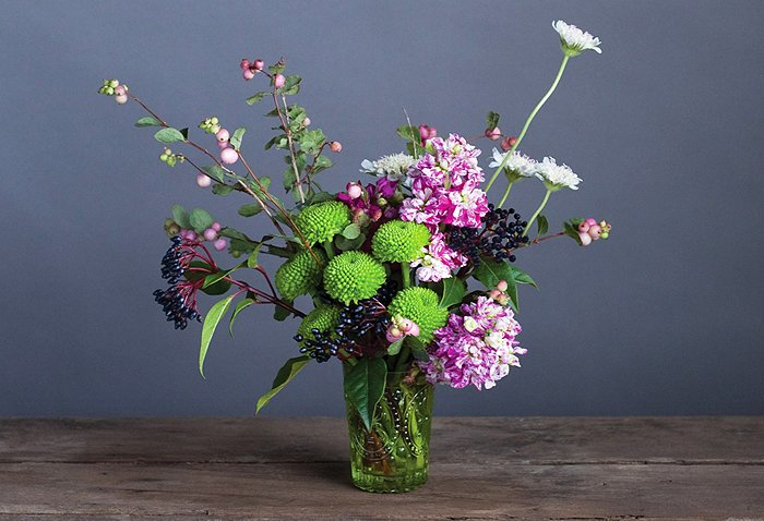 Create this arragement from the flower recipe book