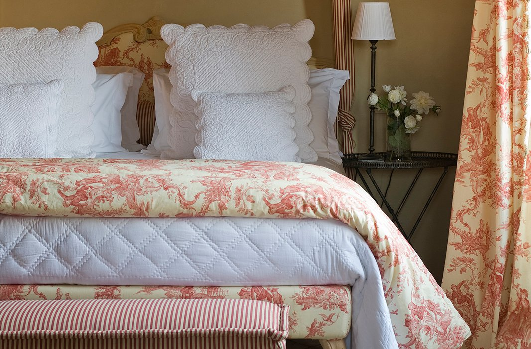 Blue Toile Bedroom Ideas: The Ins And Outs Of French Country Decor