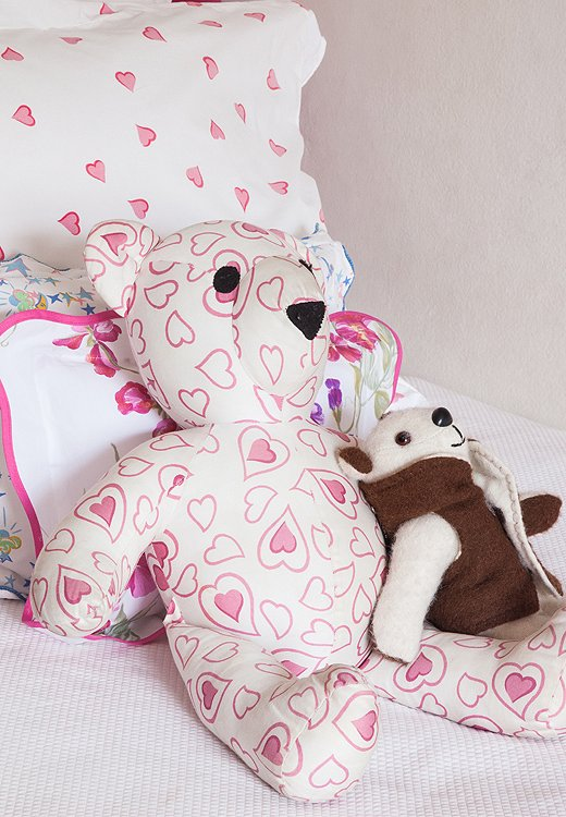 Matching stuffed animals keeps kids rooms looking cohesive.