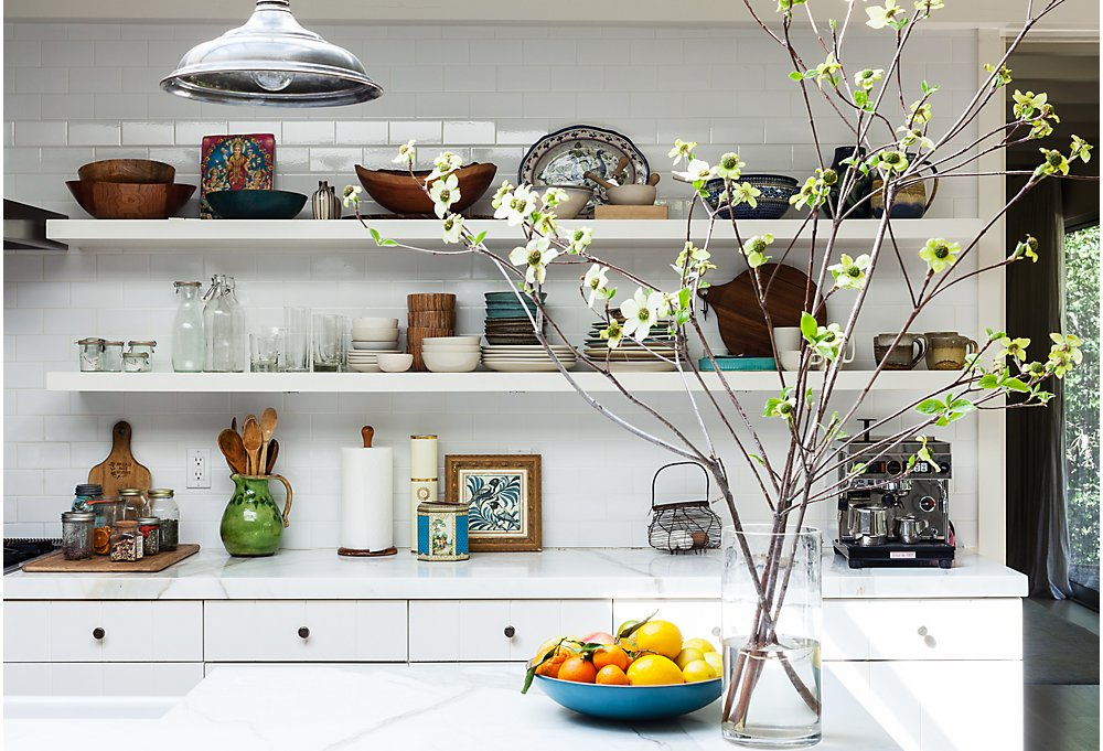 open kitchen shelving 10 gorgeous takes on open shelving in kitchens 31229