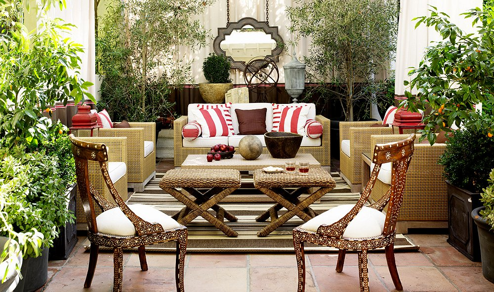 7 To-Die-For Outdoor Living Rooms