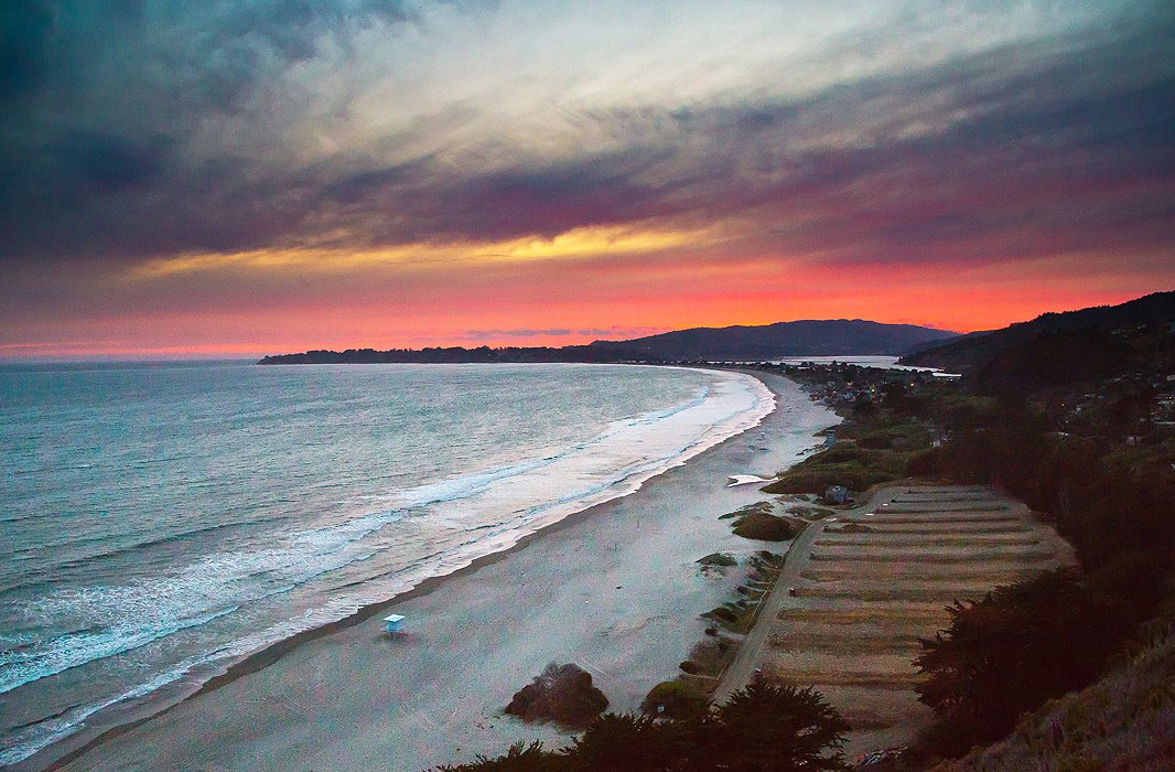 A little farther south, three-mile-long Stinson Beach never looks better than under the glow of the setting sun. From here it's an easy but picturesque drive back to The Palace, where dinner and drinks await.