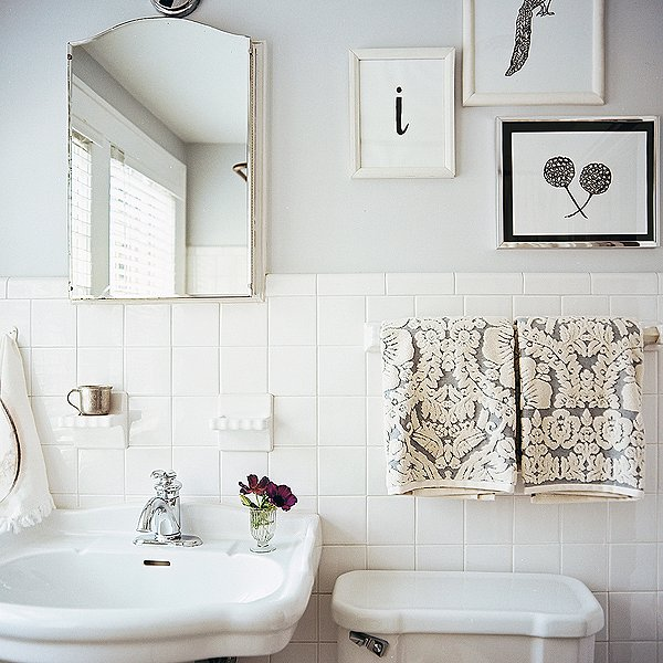 Decorating ideas for white bathrooms - White bathroom ideas photo gallery ...