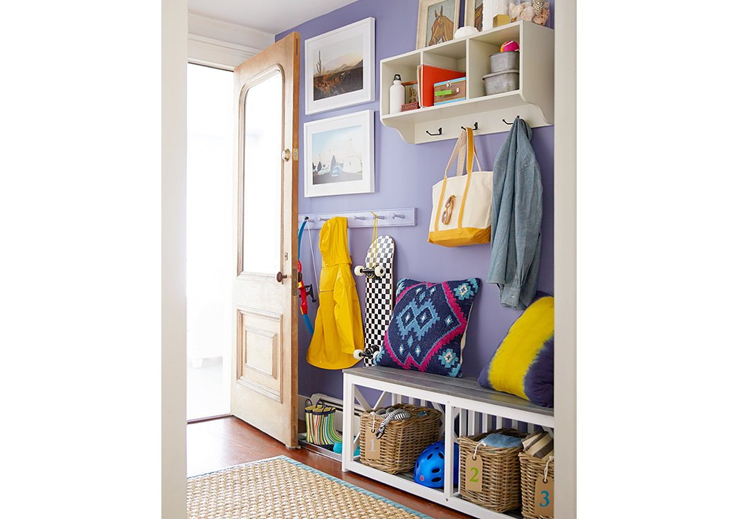 10 Tips for How to Decorate a Mudroom