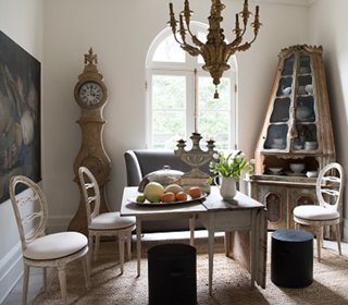 Charmant An 18th Century Venetian Corner Cabinet, A 19th Century Belgian Still Life,