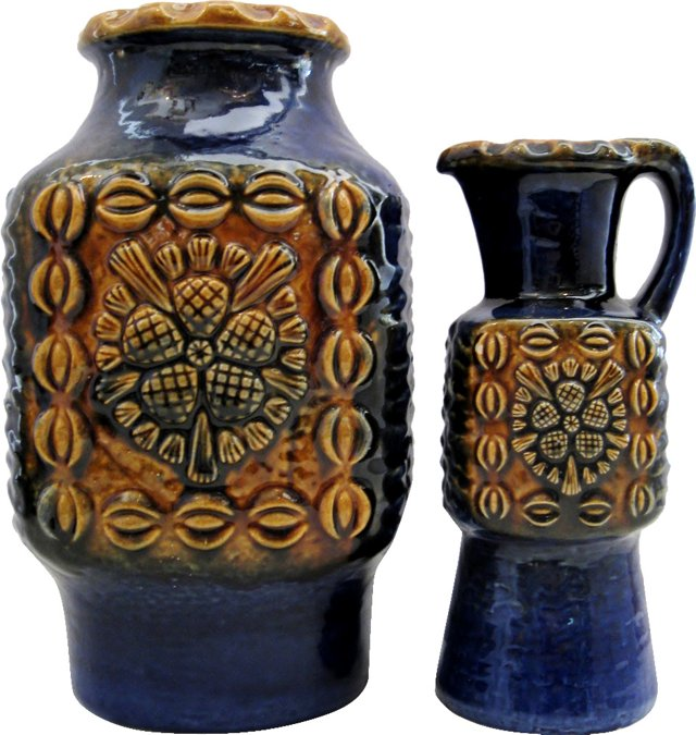 Pineapple-Motif Ceramics, Pair